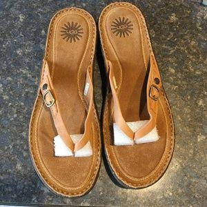 UGG Caramel KAMIKO Sandal/Flip-Flop Size 9